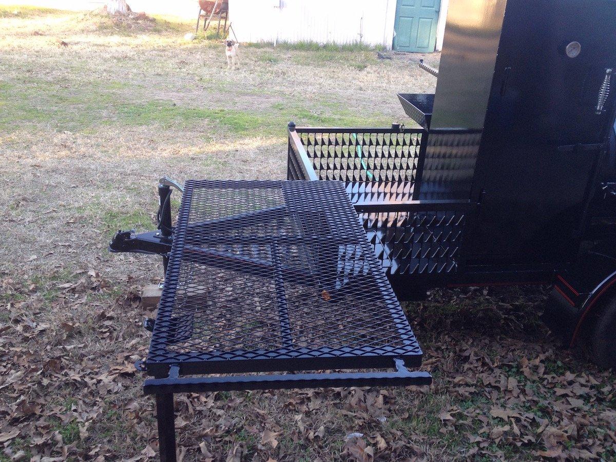 Swing out table w/ drop leg